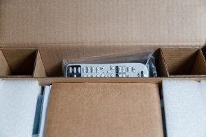 Epson EB-U004 Unboxing 3