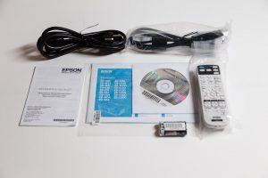 Epson EB-U004 Unboxing 4