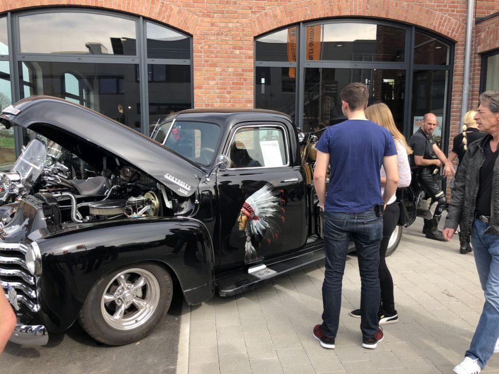Chevrolet vor Harley-Davidson Schwäbisch Gmünd